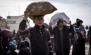 Сирия: российские военные раздали три тонны гумпомощи в провинции Дейр-эз-Зор