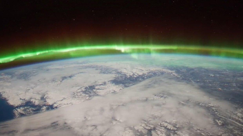 Ученые обнаружили в ионосфере гигантскую дыру, опасную для Земли