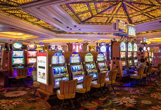 Участие в турнирах казино Вулкан Неон