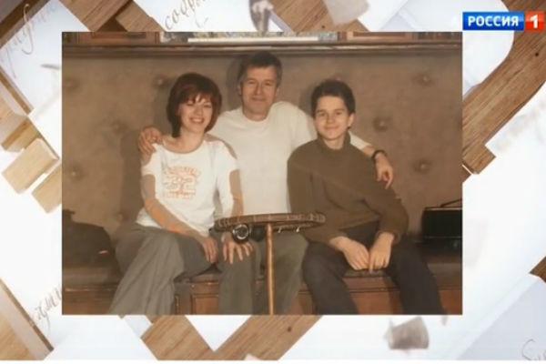 Третья супруга актера была очень близка с его сыном Андреем