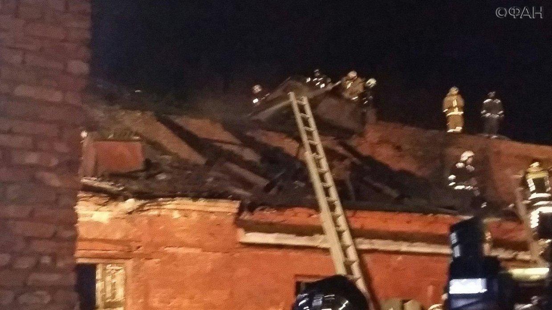 Пожар разгорелся на складе в Кронштадте: ФАН публикует видео с места ЧП