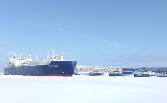 Новый танкер ледокольного типа пополнит флот российских судов для перевозки СПГ