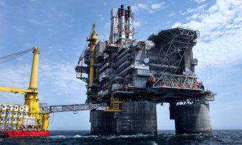 Санкции побоку: природный газ и деньги не пахнут