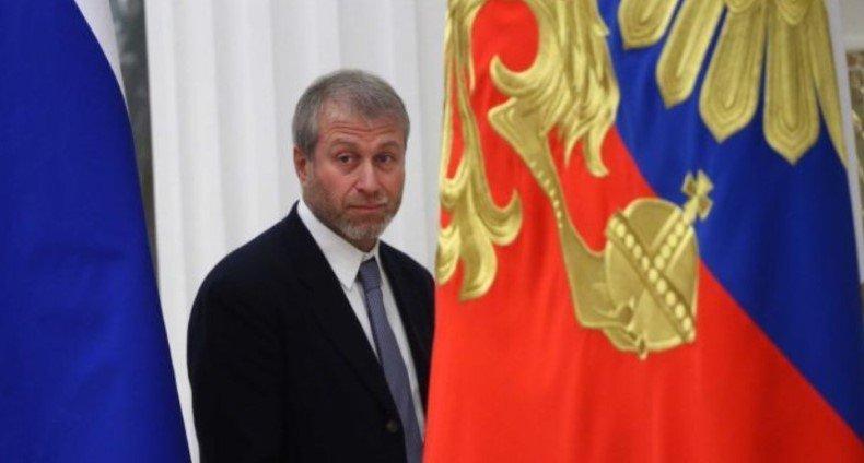 Российские олигархи стремятся укрепить свою социальную легитимность