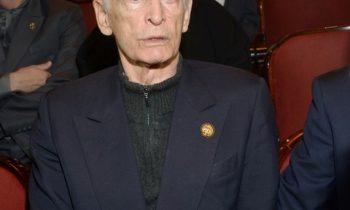 Василий Лановой стал участником скандала в аэропорту