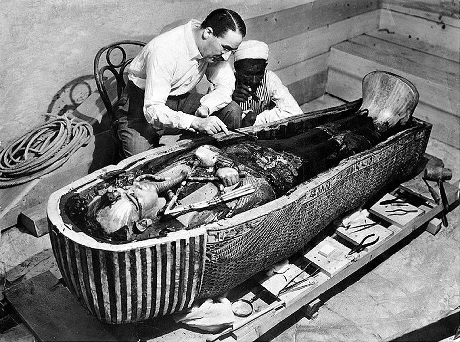 Проклятые фараоном: почему гробница Тутанхамона оказалась «смертельной»