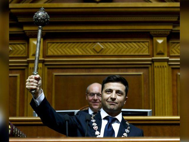 Зеленский отреагировал на отказ Рады рассмотреть его законопроект