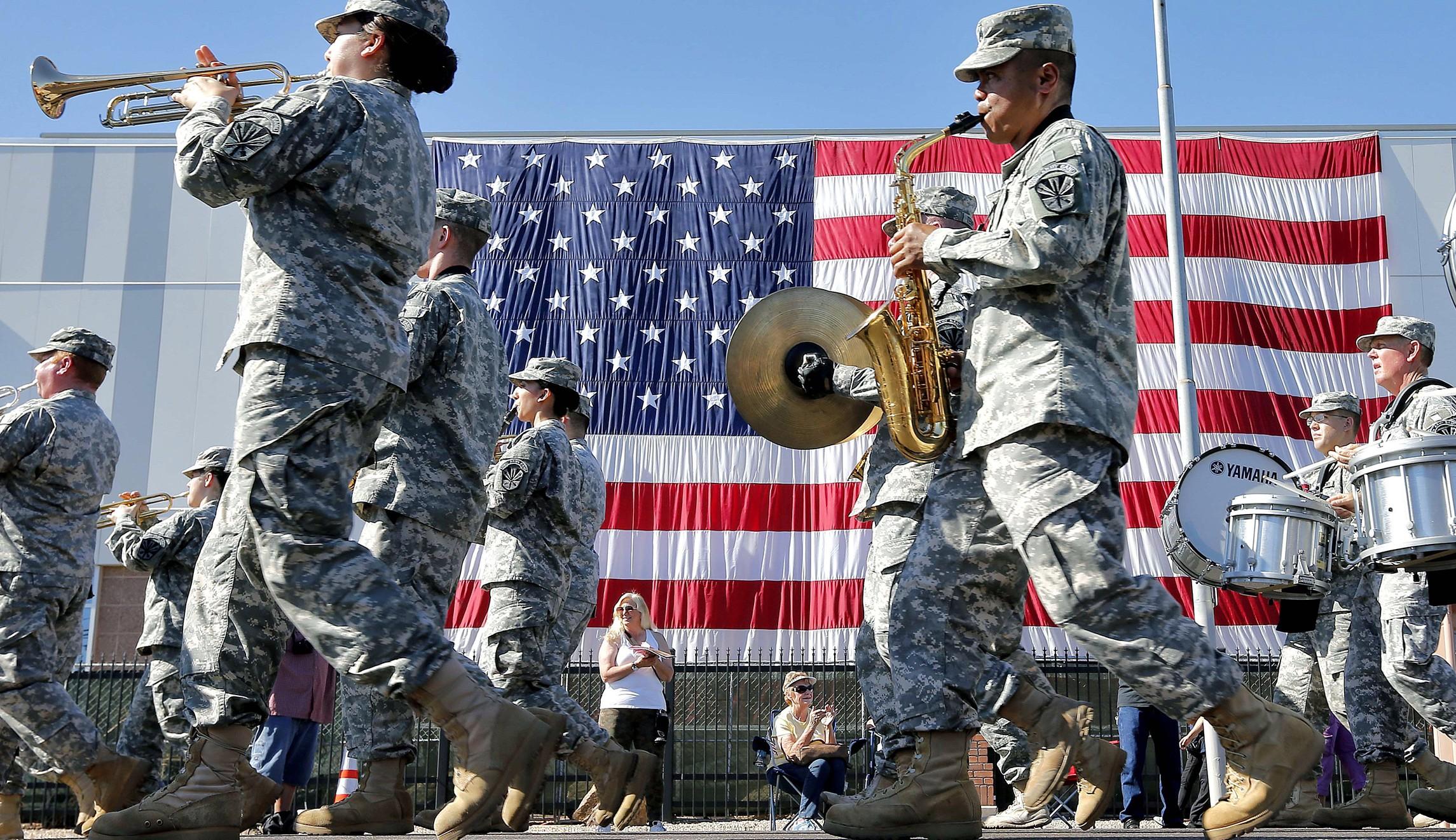 Российские СМИ высмеяли военный парад в Вашингтоне 4 июля