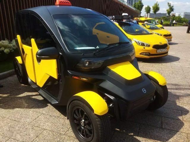 Электромобиль UV-4 от компании Калашников был презентован на международном форуме Такси