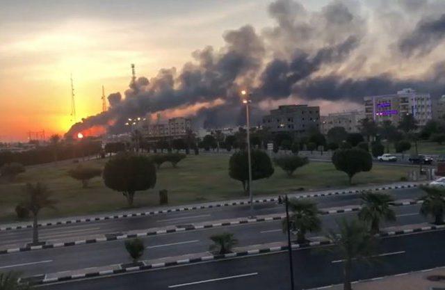 Удар по нефтяному сектору демонстрирует уязвимость Саудовской Аравии в войнах Ближнего Востока