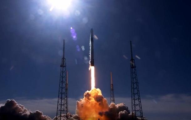 SpaceX запустила космический грузовик Dragon к МКС