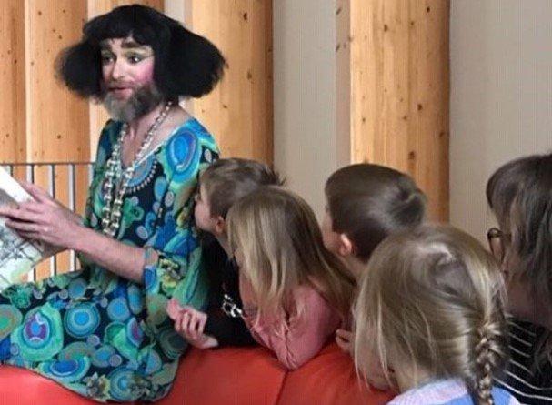 Муниципальные власти района в Лондоне с преимущественно мусульманским населением организовывают шоу для маленьких детей «Сезон сказок от трансвеститов»