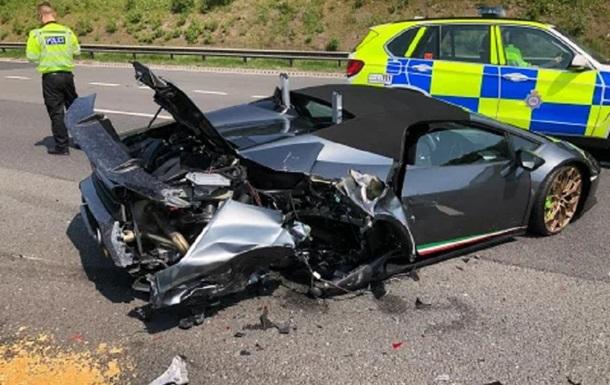 Британец разбил Lamborghini через 20 минут после покупки