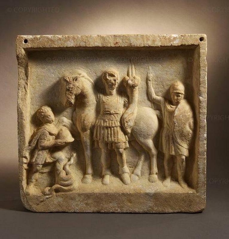 Стела с изображением всадника, его слуги и пешего воина, III–II века до н.э. Музей археологии, Сиракузы.