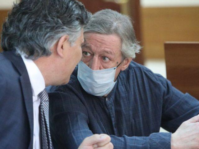 Адвокат рассказал, кто написал текст для видео с извинениями Ефремова