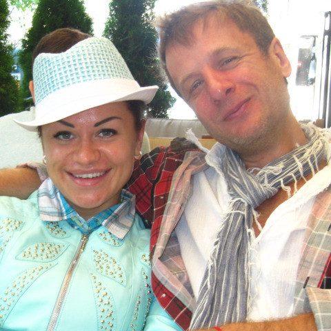 Черная полоса Евгении Дидюли: заболела дочь, муж пытается отобрать работу