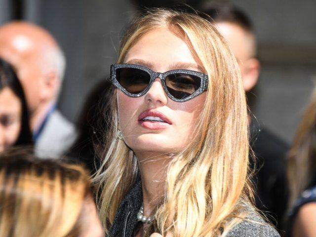 Беременная модель Victoria's Secret в кружевном белье восхитила поклонников