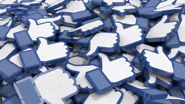Бывший директор Facebook рассказал, как соцсеть наживается на шок-контенте