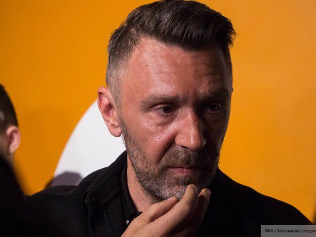 Шнуров стихами ответил на угрозы со стороны жены Стаса Михайлова