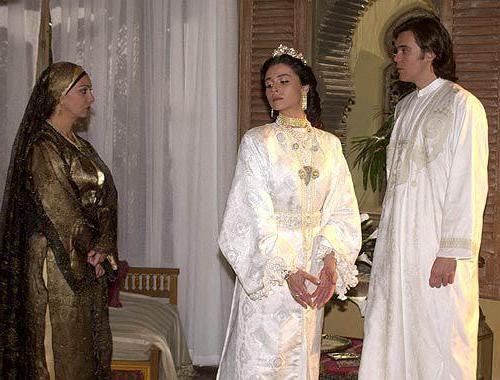 Наряды на двух свадьбах главной героини были похожими