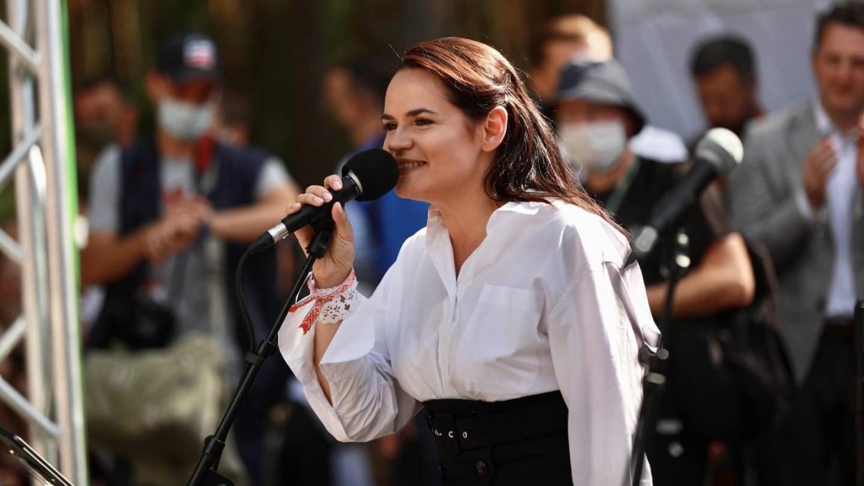 Крымский политолог сравнил ультиматум Украины к Тихановской со спектаклем в дурдоме