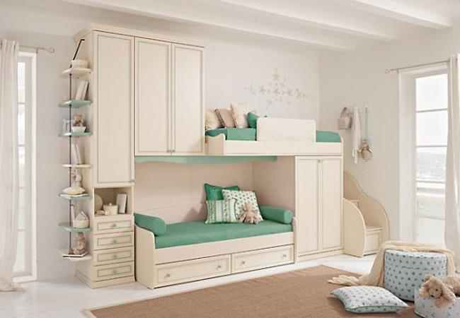 Двухъярусные кровати – экономный вариант для маленькой комнаты