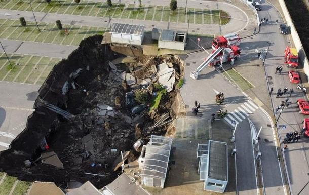 Взрыв у COVID-больницы в Неаполе: огромная воронка и эвакуация пациентов