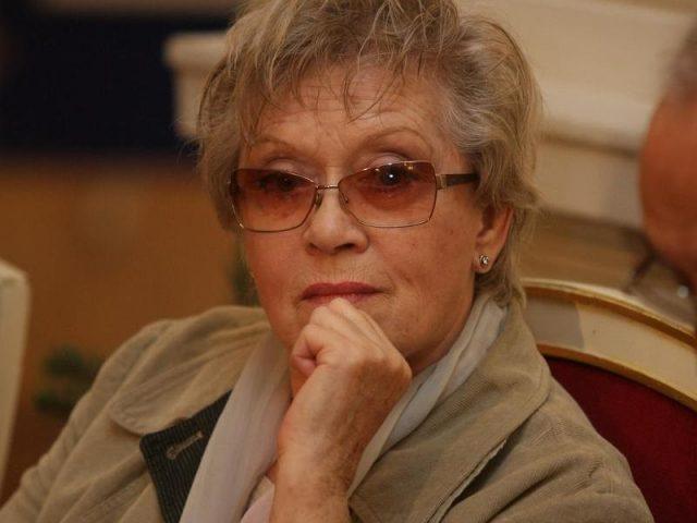 Состояние больной коронавирусом Алисы Фрейндлих не улучшается