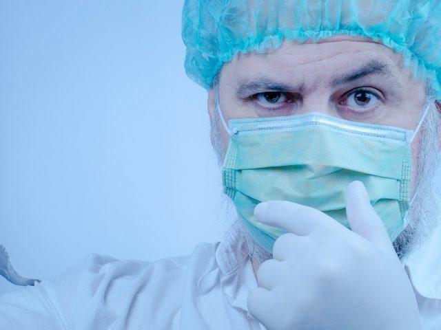 Врачи дали рекомендации, какую из трех российских вакцин от COVID выбрать
