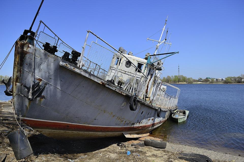 Украина запретила российским судам плавать посвоим рекам