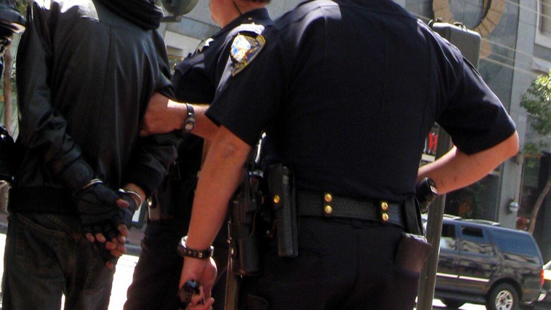 Протесты вновь вспыхнули в Миннеаполисе после убийства мужчины