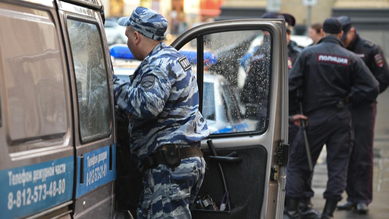 Актер из «Интернов» обратился в полицию после стычки с режиссером Красновым