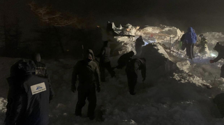 ФАН публикует фото с места схода лавины в Красноярском крае