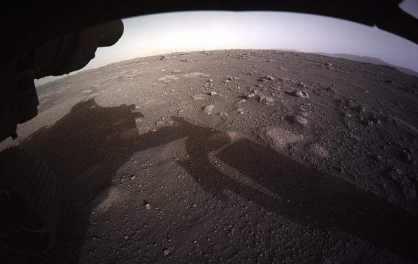 Аппарат Perseverance показал цветные фото с Марса