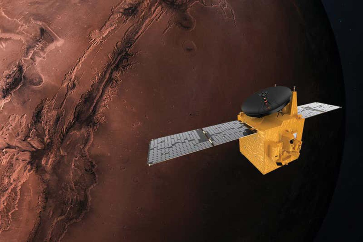 Опубликовано первое фото Марса, сделанное арабским зондом «Hope»