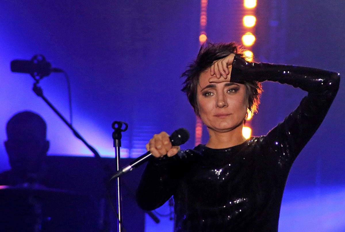 «Про то, как телефон нас пожрал»: Земфира впервые за 8 лет выпустила альбом