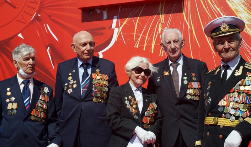 Дмитрий Певцов призвал вернуть ежемесячные «наградные» ветеранам боевых действий