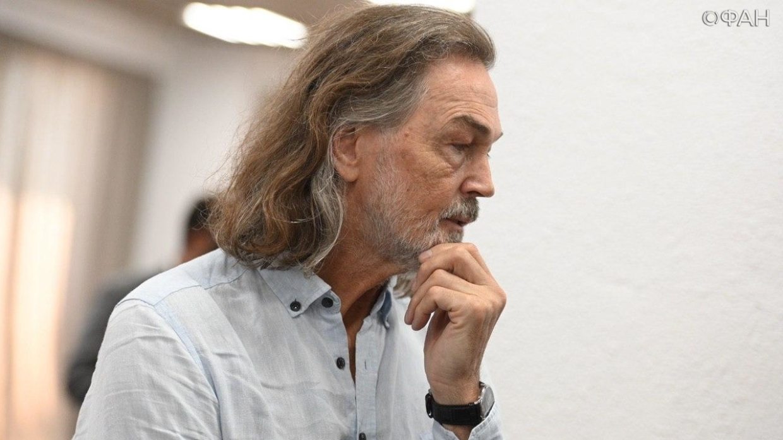 Никас Сафронов рассказал об огромных тратах на «коммуналку»