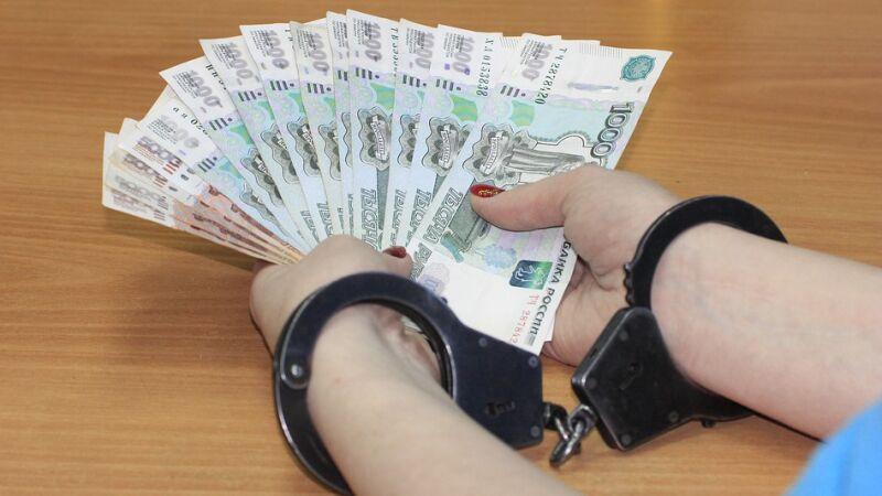 Двух бывших сотрудников ГИБДД признали виновными во взяточничестве под Калининградом