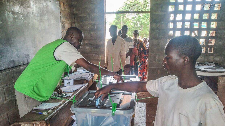 Власти ЦАР обеспечат безопасное проведение второго тура парламентских выборов