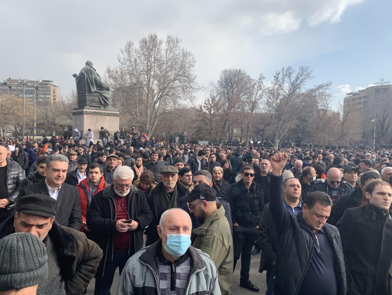 Экс-премьер Армении Дарбинян рассказал о русофобских силах в Армении