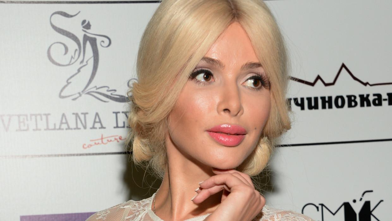 Алена Кравец выбрала место на кладбище рядом с Началовой