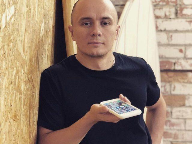 Илья Соболев вымыл ягодицы голого мужчины, а Денис Дорохов проклял себя. Дикий выпуск Comment Out