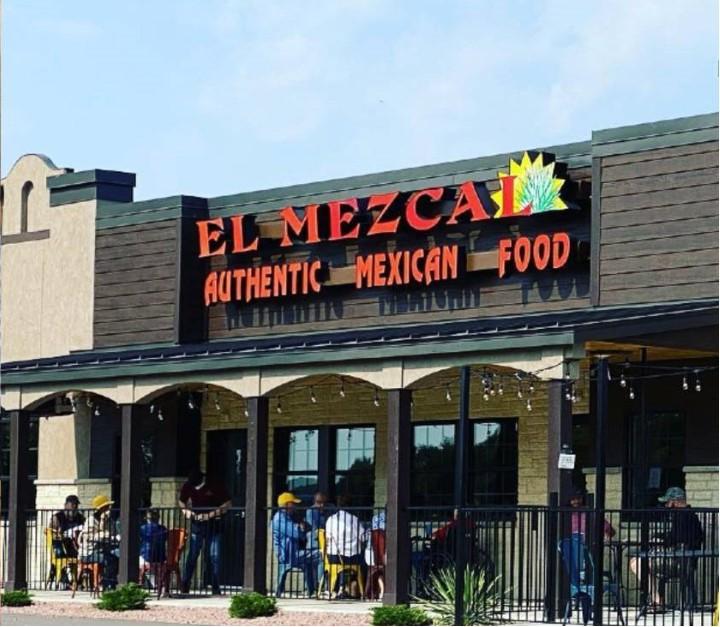 Ресторан Адольфо — El Mezcal.