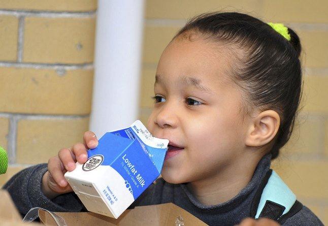 Активисты-экологи требуют запретить в американских школах молочные продукты, называя их проявлением расизма