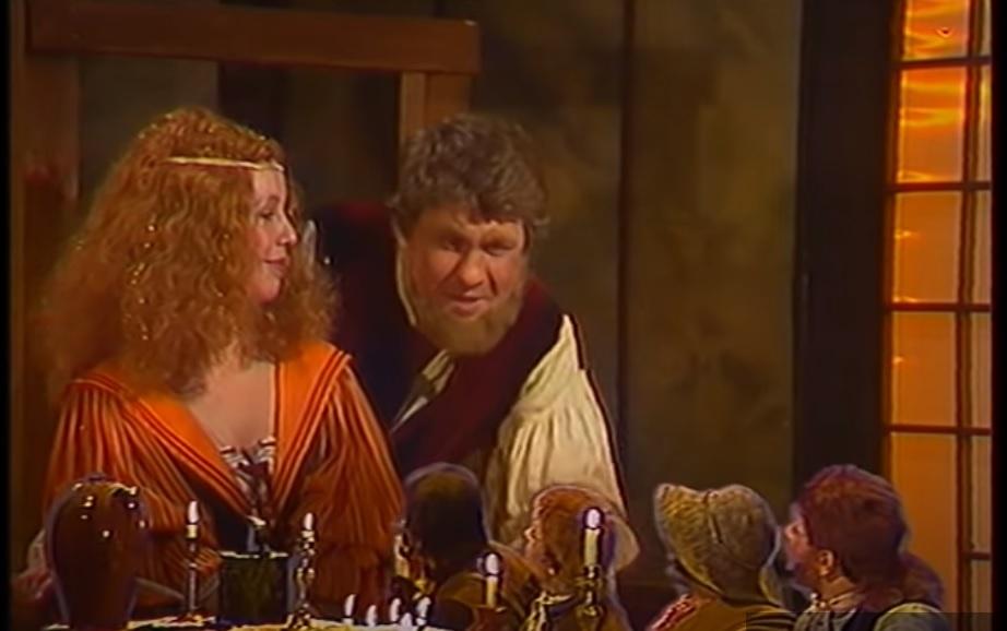 Фродо и его друзья в гостях у Тома Бомбадила