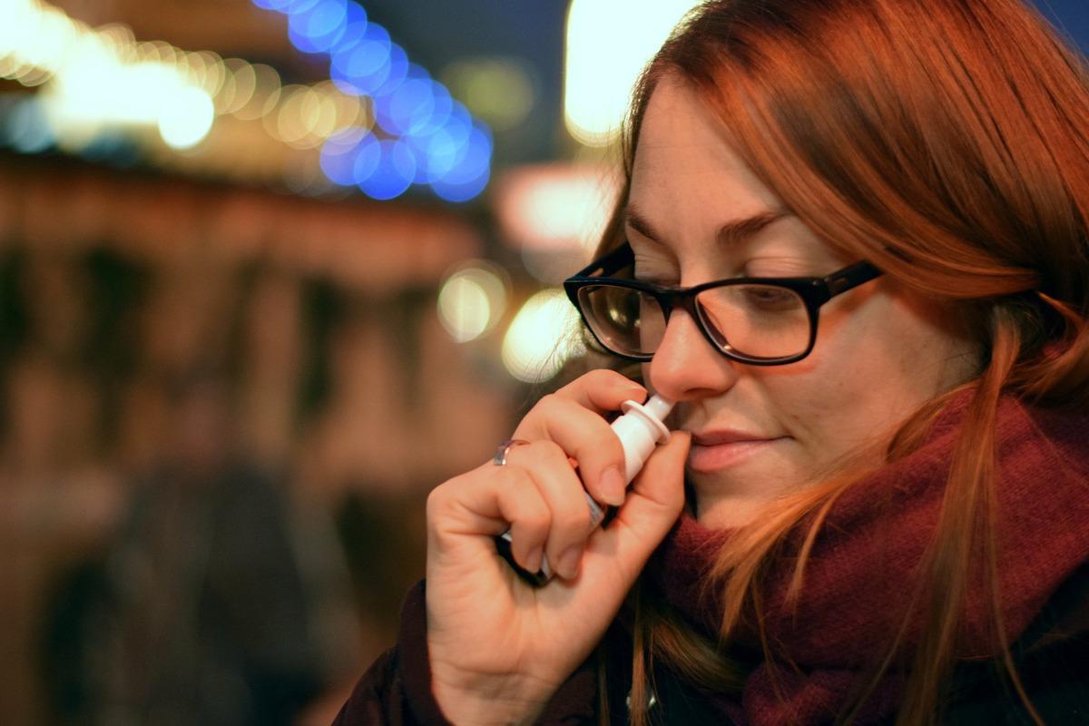 ВРоссии начинаются испытания вакцины отCOVID-19 ввиде капель для носа