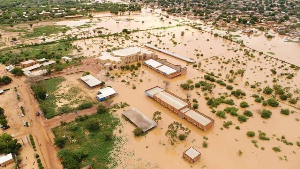 Более тысячи человек пострадали вследствие проливных дождей на востоке Уганды