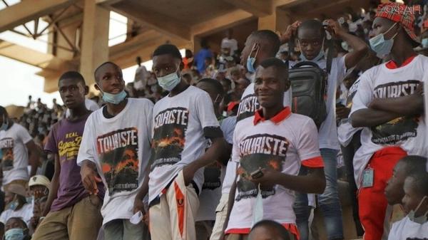 Премьера российско-центральноафриканского фильма «Турист» собрала тысячи африканцев