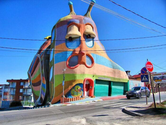 Дом из Болгарии, который сделан в форме улитки